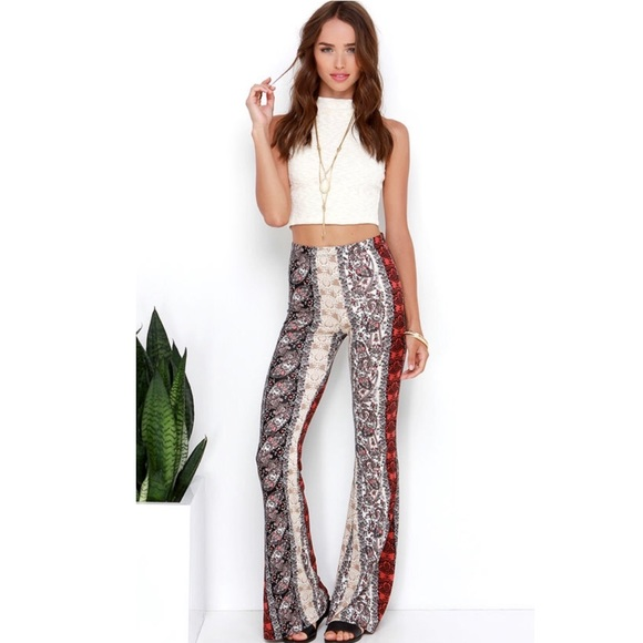 ad8f19480 Lulu s Pants - Lulu s high waisted flare bell bottom pants small